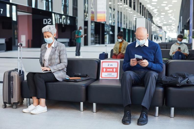distanciamiento fisico covid 19 en aeropuertos